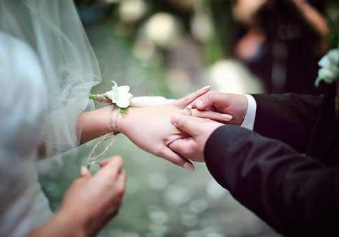 结婚钻石是永恒爱情的礼物